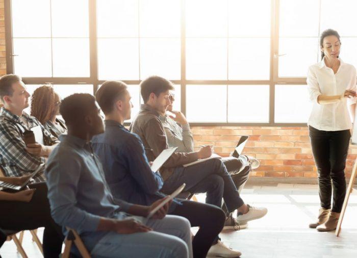 Grupowa nauka angielskiego – czy jest skuteczna?