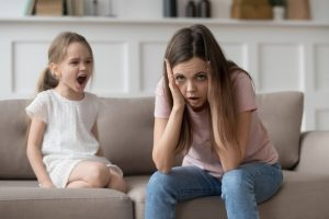 Kiedy rodzicielstwo przytłacza… Jak poradzić sobie z wybuchami złości?
